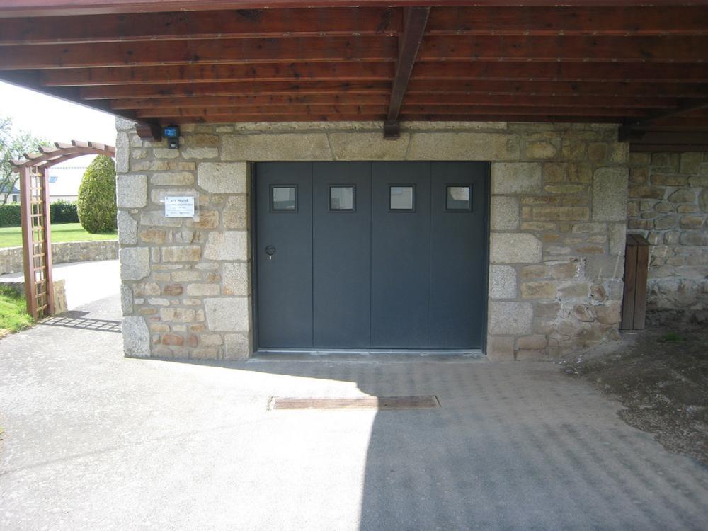 Menuiserie Pouivé : porte de garage