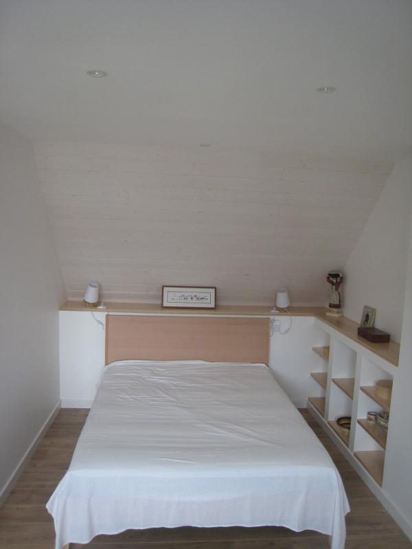 Menuiserie Pouivé : Aménagement d'une chambre dans les combles.