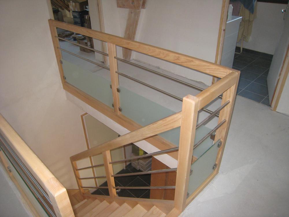 Menuiserie Pouivé :fabrication et pose d'escalier intérieur