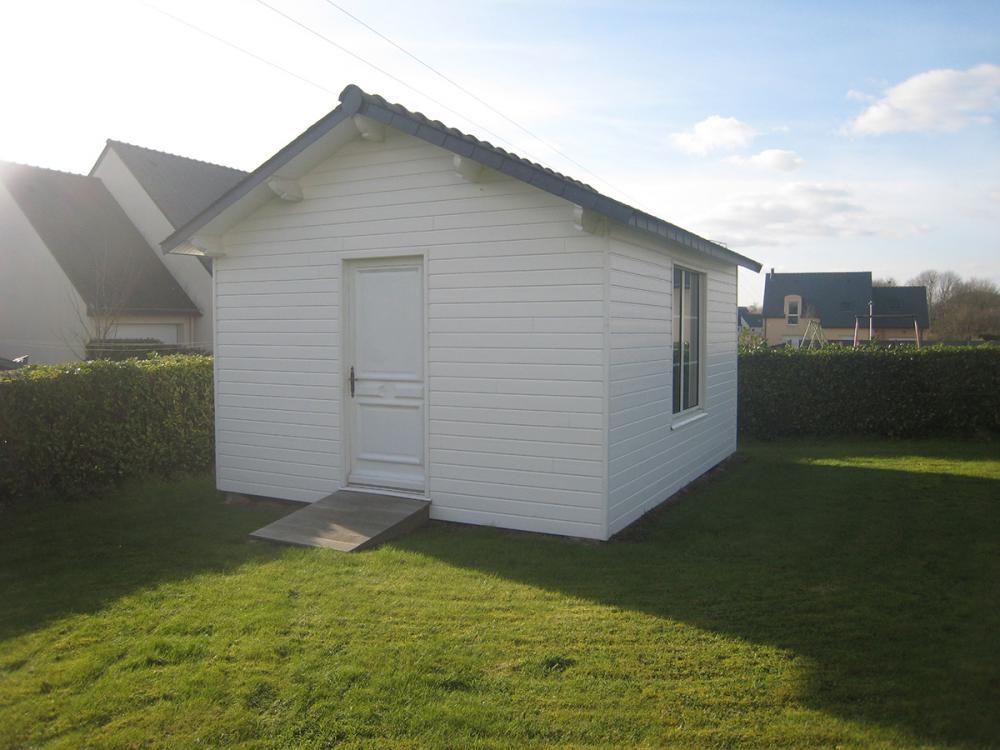 Menuiserie Pouivé : abris de jardin, garage et pergola