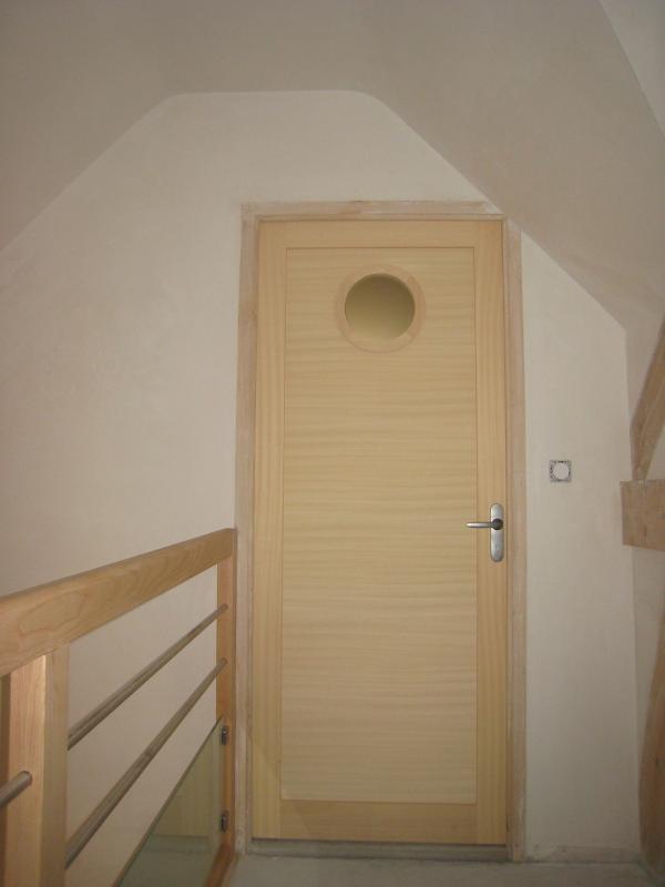 Menuiserie Pouivé :fabrication et pose de portes d'intérieures originales