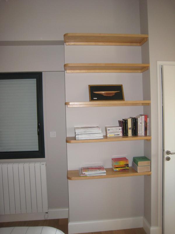 Menuiserie Pouivé :Création d'étagères et de bibliothèques sur-mesure
